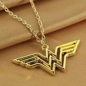 Jewelry - 🌟4/$20🌟 Wonder Woman Necklace